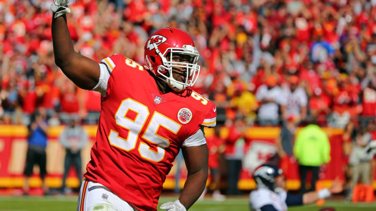 """Podcast: The Chiefs Lock Up Chris Jones, But Are They Now In """"Cap Hell?"""""""