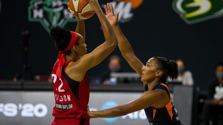 Former Gamecocks Under Pressure As WNBA Playoffs Continue