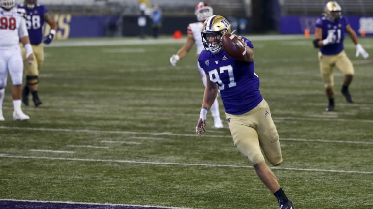 Pac-12 Roundup: Washington Grabs First Place in North With Comeback Win