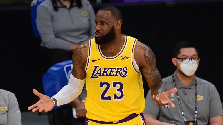 Lakers News: Former Teammate Picks Vince Carter over LeBron James