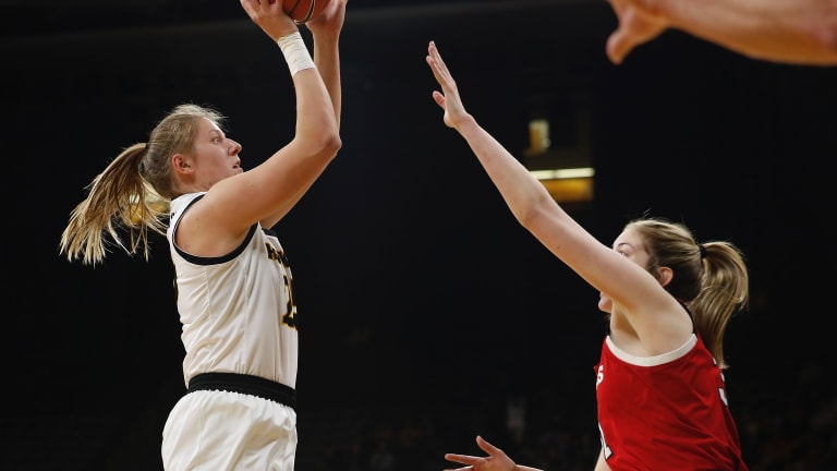 From 'Baby Post' To All-Big Ten, Czinano Fits Into Center Role