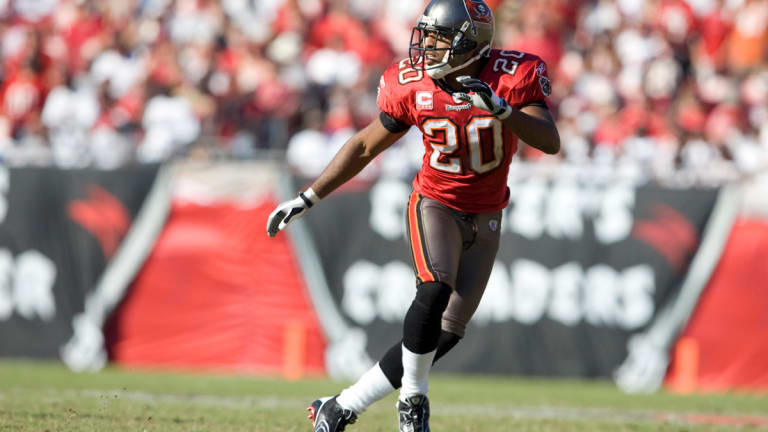 Best Buccaneer not in the Hall of Fame? It's Barber