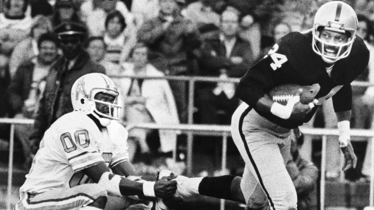Willie Brown invented the bump-and-run, with emphasis on the BUMP!