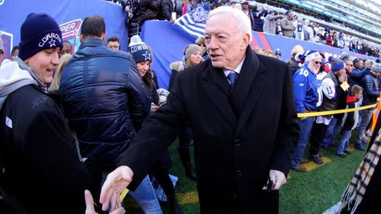 Jerry Jones: Trump said 'you can't win' anthem issue