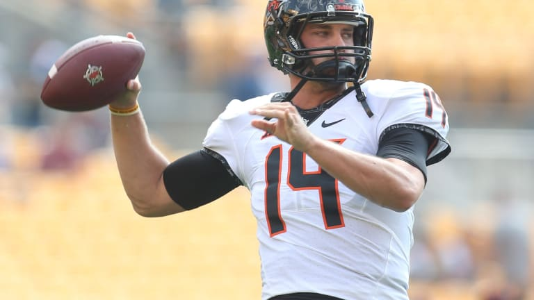 New Oklahoma State QB surrounded by threats