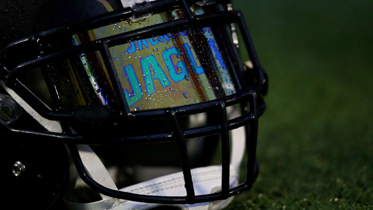 Report: Jaguars to Hire Denard Robinson as Offensive Assistant