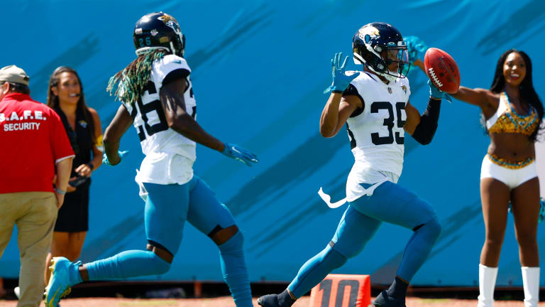 Jaguars Find—Then Lose—Their Needed Spark In Confounding Loss to Cardinals