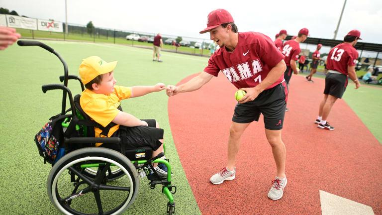 Field of Dreams: Alabama Baseball Visits Miracle League