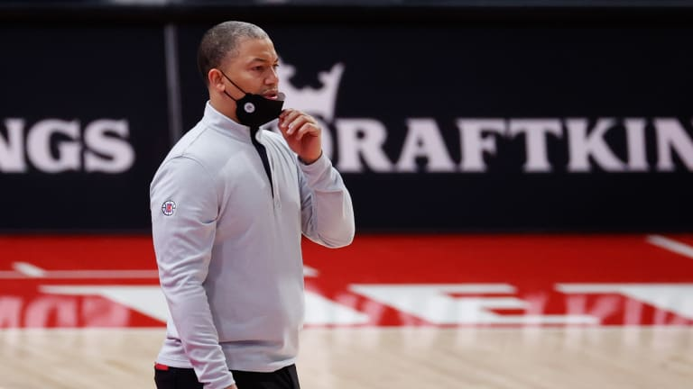 Tyronn Lue Says Play-In Tournament Gives Top Two Seeds a Disadvantage