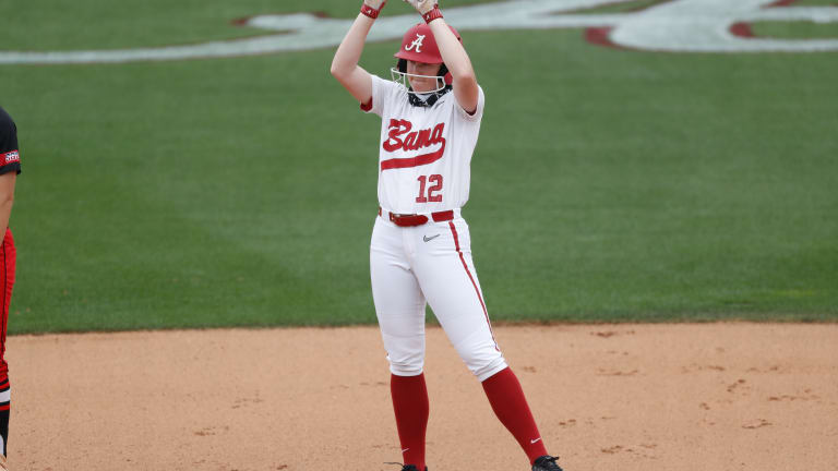 Kaylee Tow Powers No. 4 Alabama Softball to 4-1 Win over No. 21 Georgia