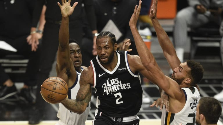 Report: Kawhi Leonard Out Indefinitely, Clippers Fear ACL Injury