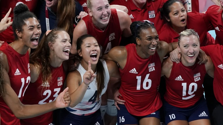 Former Volleyball Huskers Are Golden