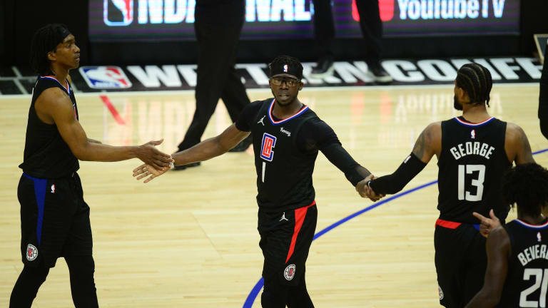 LA Clippers Officially Re-Sign Reggie Jackson