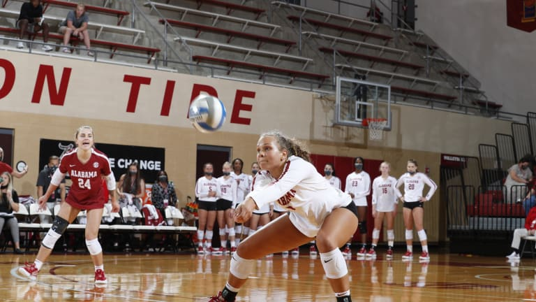Alabama Volleyball Drops Home Opener to Troy