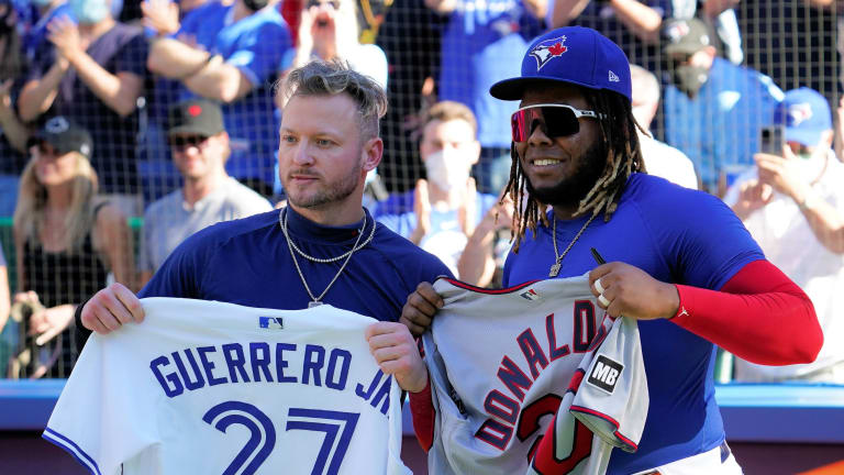 'Stay Focused': Donaldson and Guerrero Jr. Swap Jerseys After Blue Jays Win