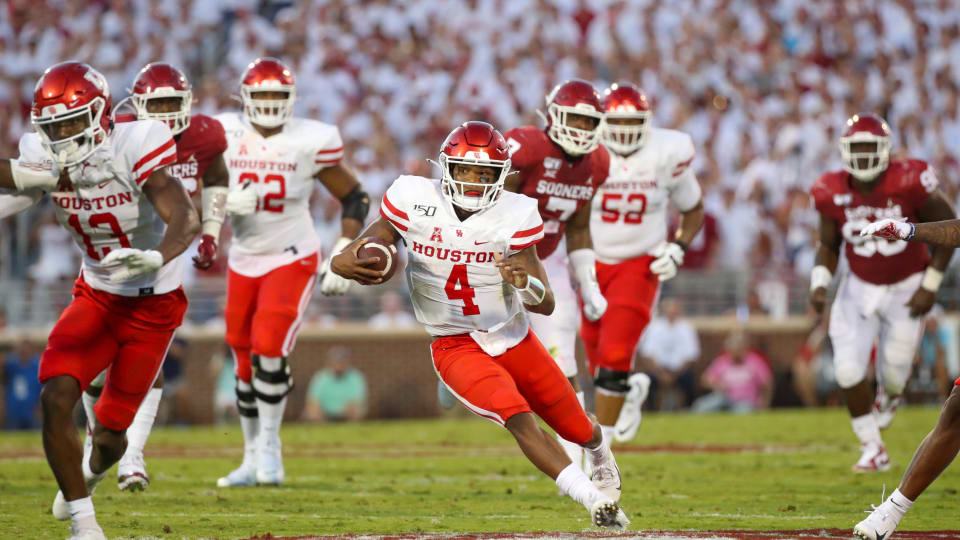 Growing Trend of Midseason Redshirting Has Caused a Divide in College Football