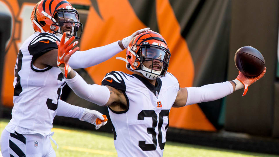 Jessie Bates Leads Way as Bengals' Secondary Ranked in Top Half of NFL