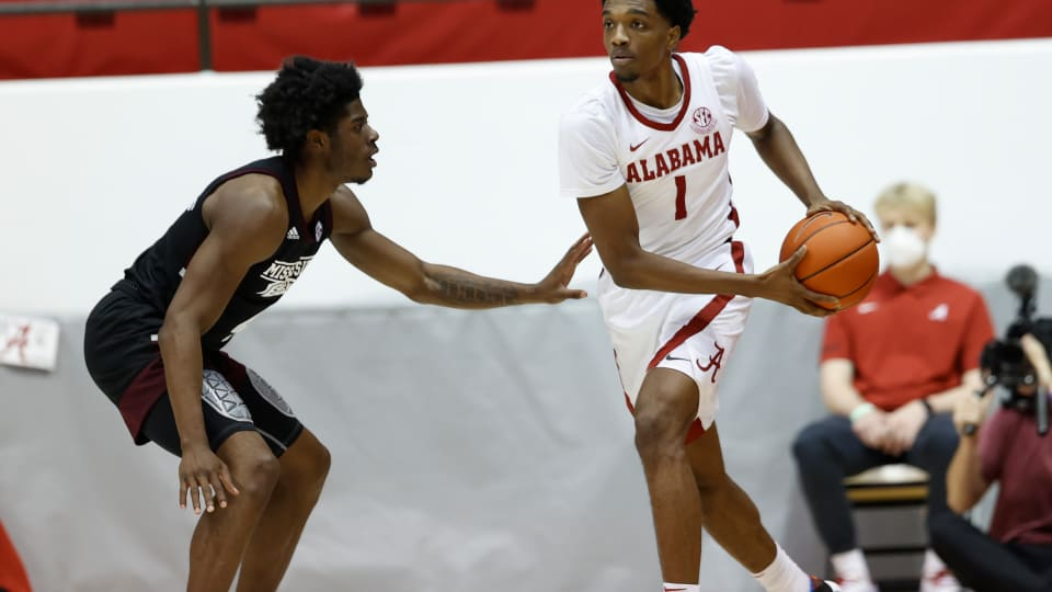 Jones, Primo Sustain Alabama Basketball's Offense in Win Over Mississippi State
