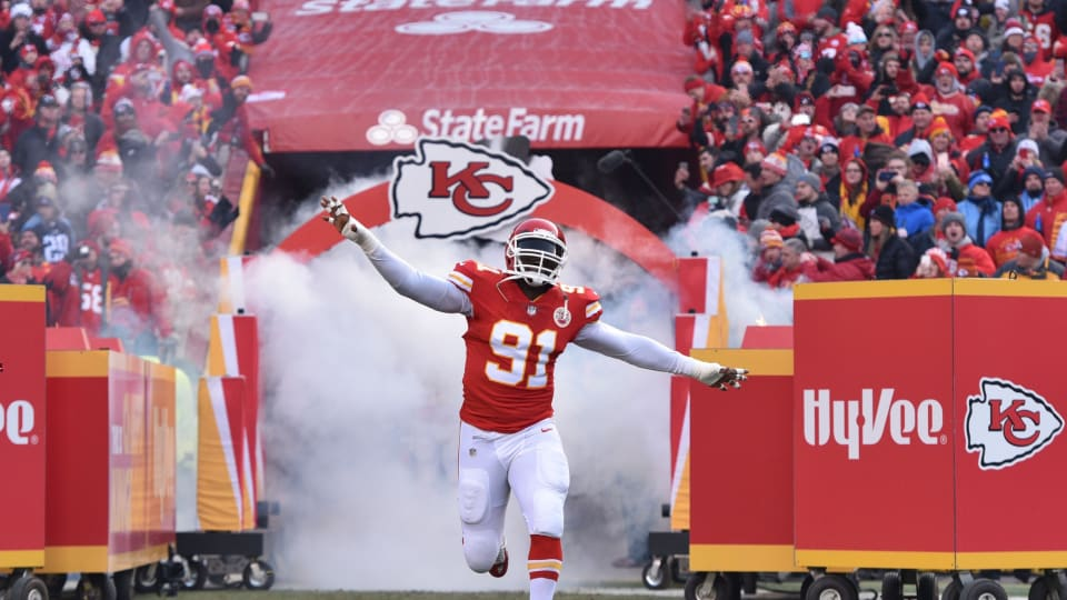 Tamba Hali Signs One-Day Contract to Retire a Chief