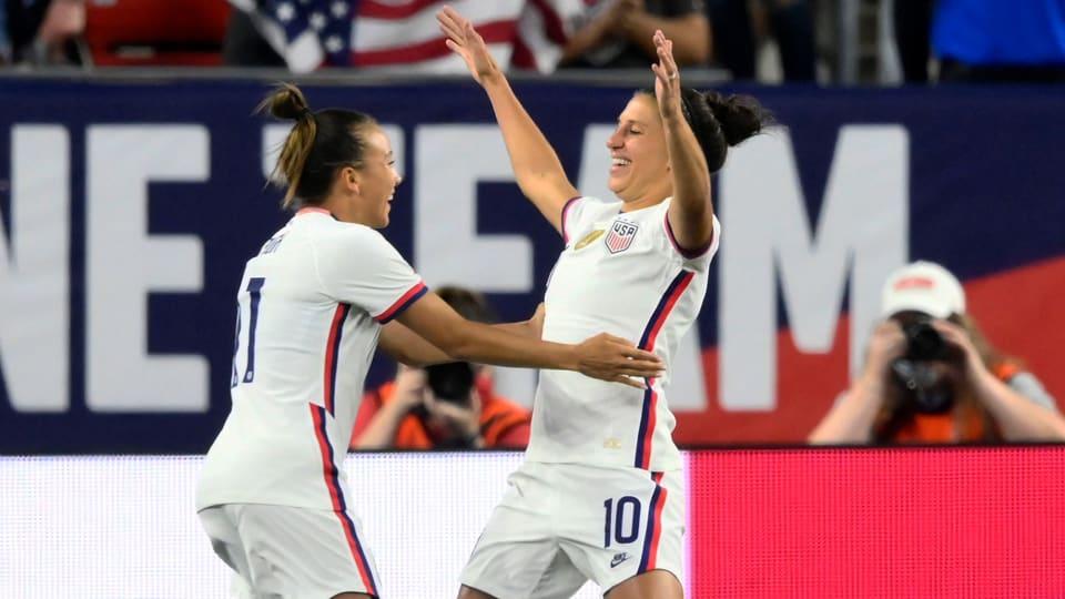 Carli Lloyd scores five goals vs. Paraguay