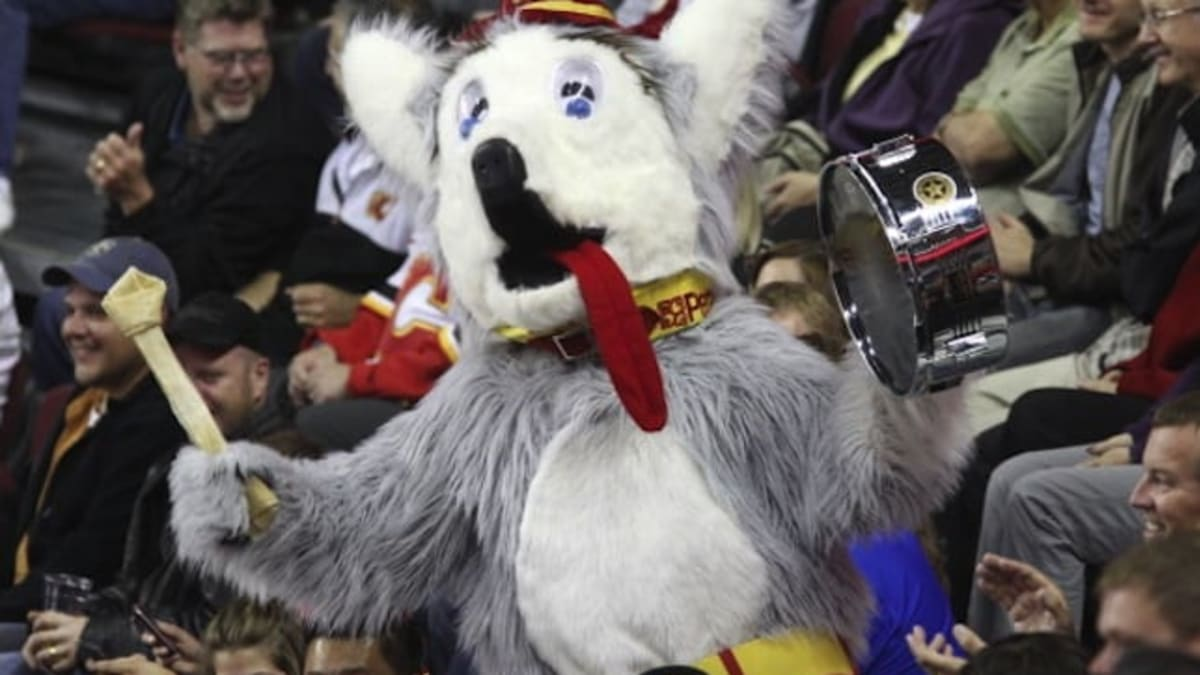 Nhl S First Mascot The Flames Harvey The Hound Still Barking Strong 30 Years Later The Hockey News On Sports Illustrated