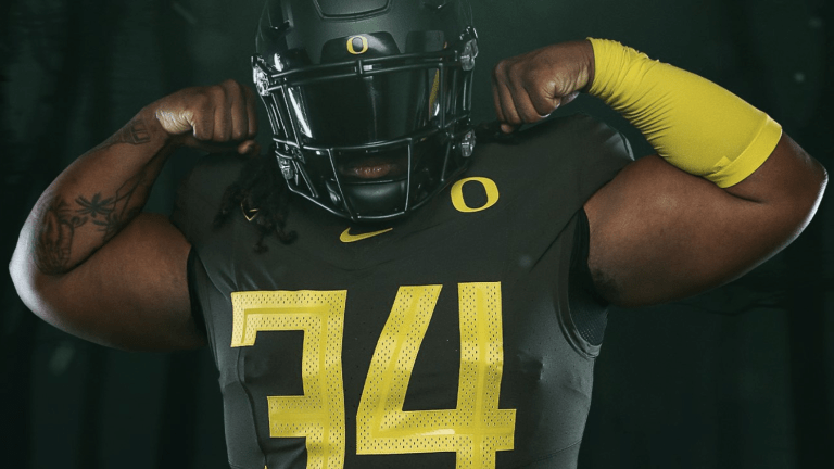 Oregon Reveals 'Nightmare Green' Uniforms for Black-Out Game vs. Washington State