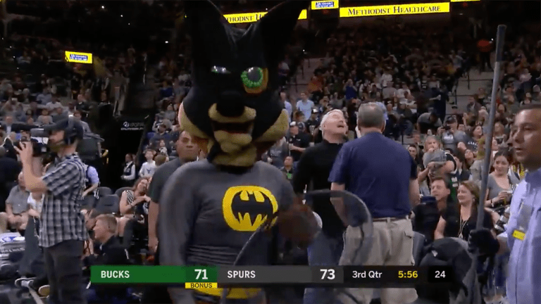 Watch: Bat Disrupts Another Spurs Game