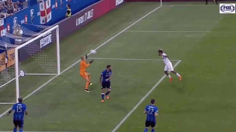 FENÓMENO: Josef Martínez evita estar adelantado y en la misma jugada marca golazo ante Montreal