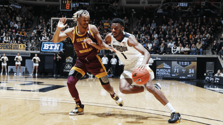 Stefanovic, Boilermakers Blow Out Central Michigan