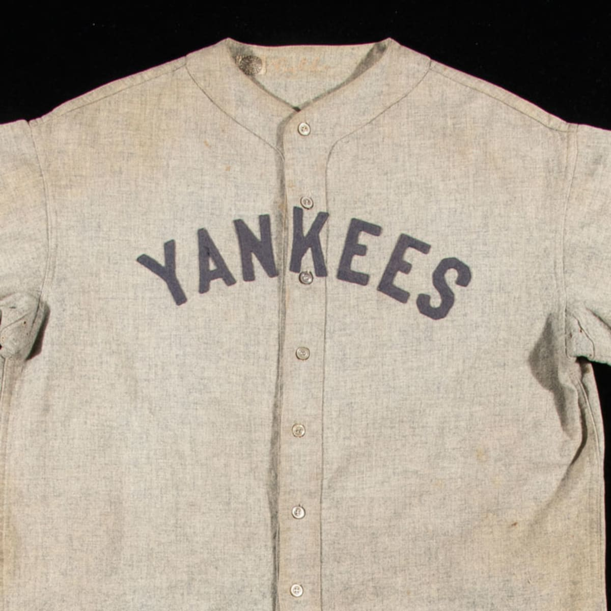 Babe Ruth jersey expected to sell at