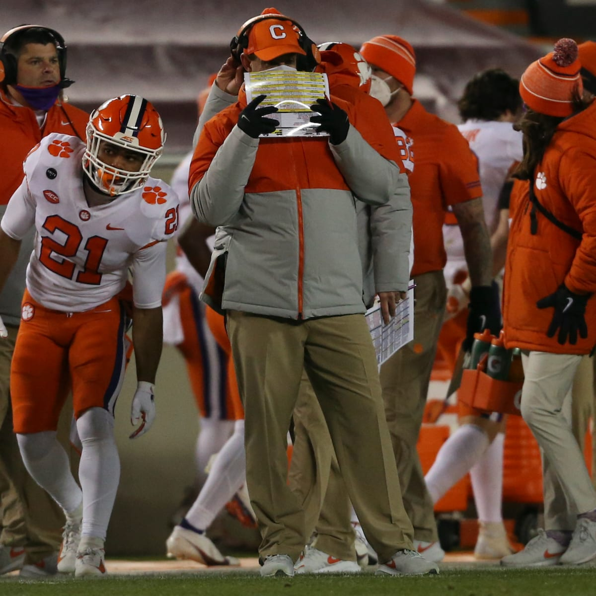 Clemson S Swinney Updates Injuries To James Skalski Other Tigers After Virginia Tech Win Sports Illustrated Clemson Tigers News Analysis And More