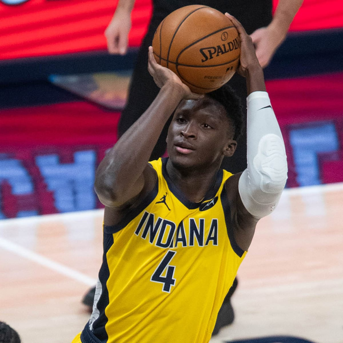 Pacers' Victor Oladipo returning to ...