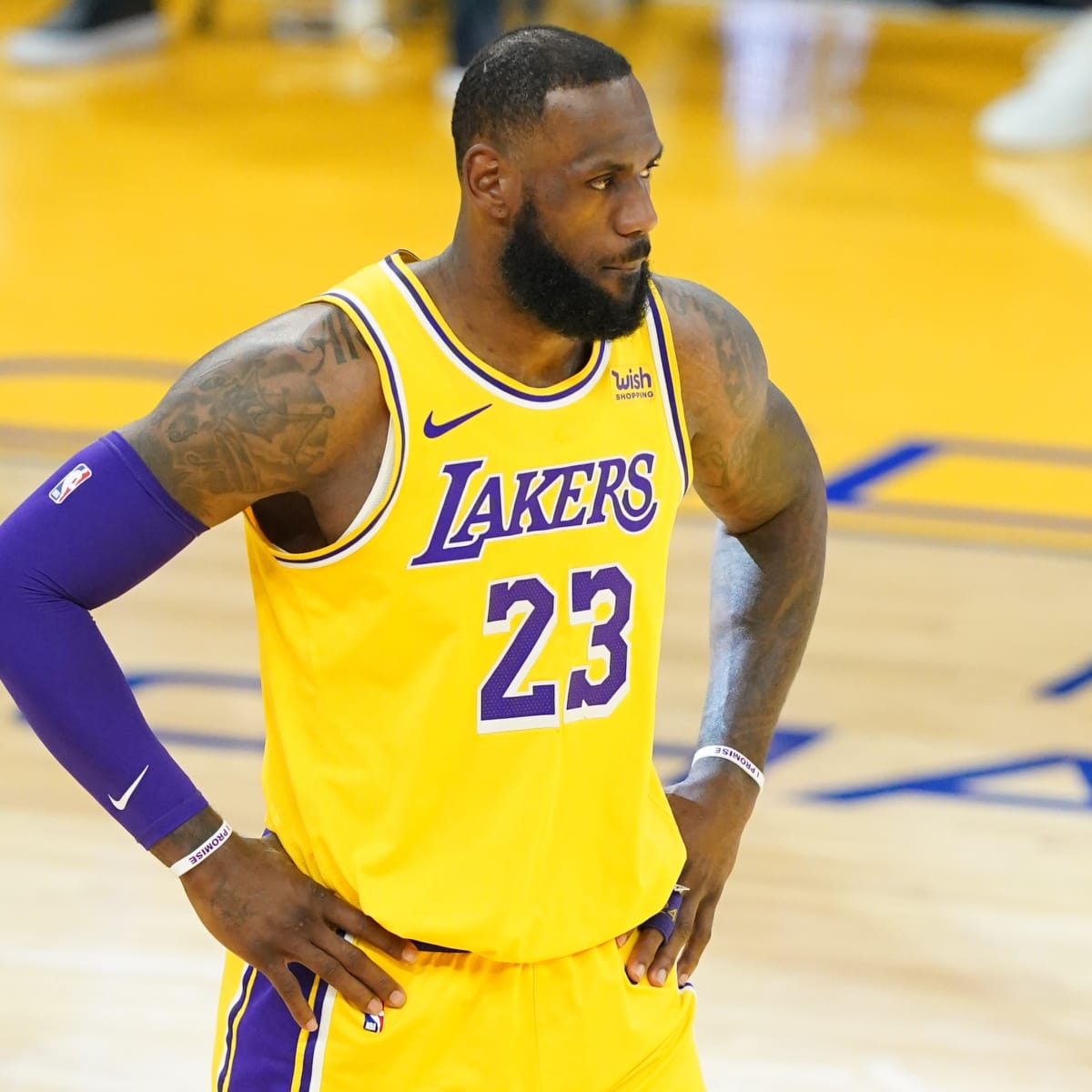 LeBron James: Lakers star back in lineup vs Kings after ankle injury -  Sports Illustrated