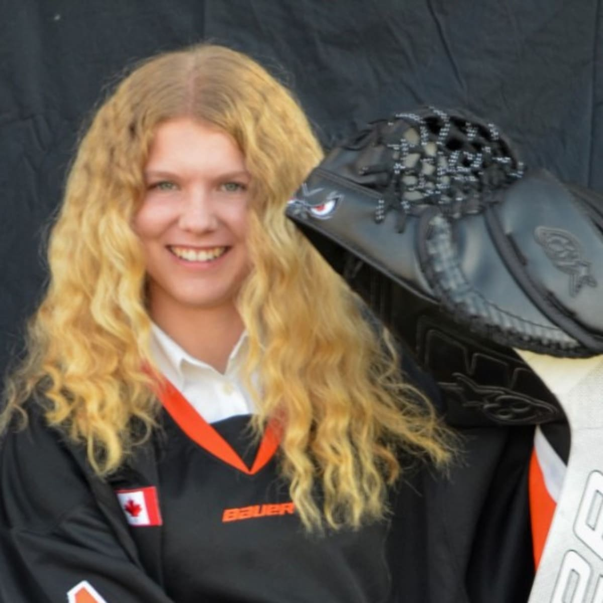 16-Year-Old Goali Taya Currie Becomes First Female Player Drafted in Ontario Hockey League