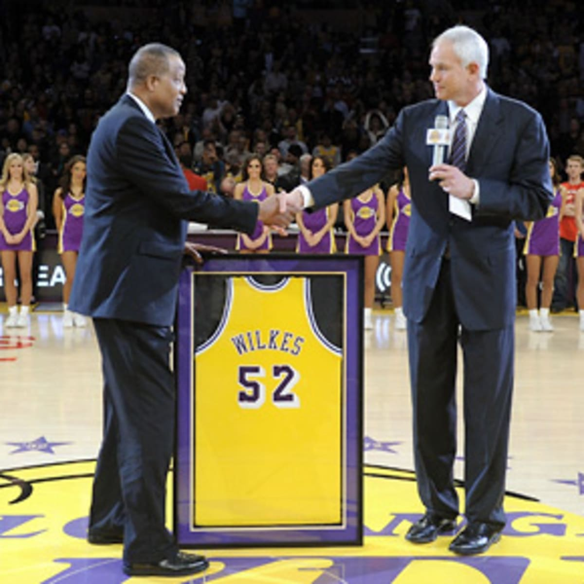 Lakers retire Jamaal Wilkes' No. 52 jersey - Sports Illustrated