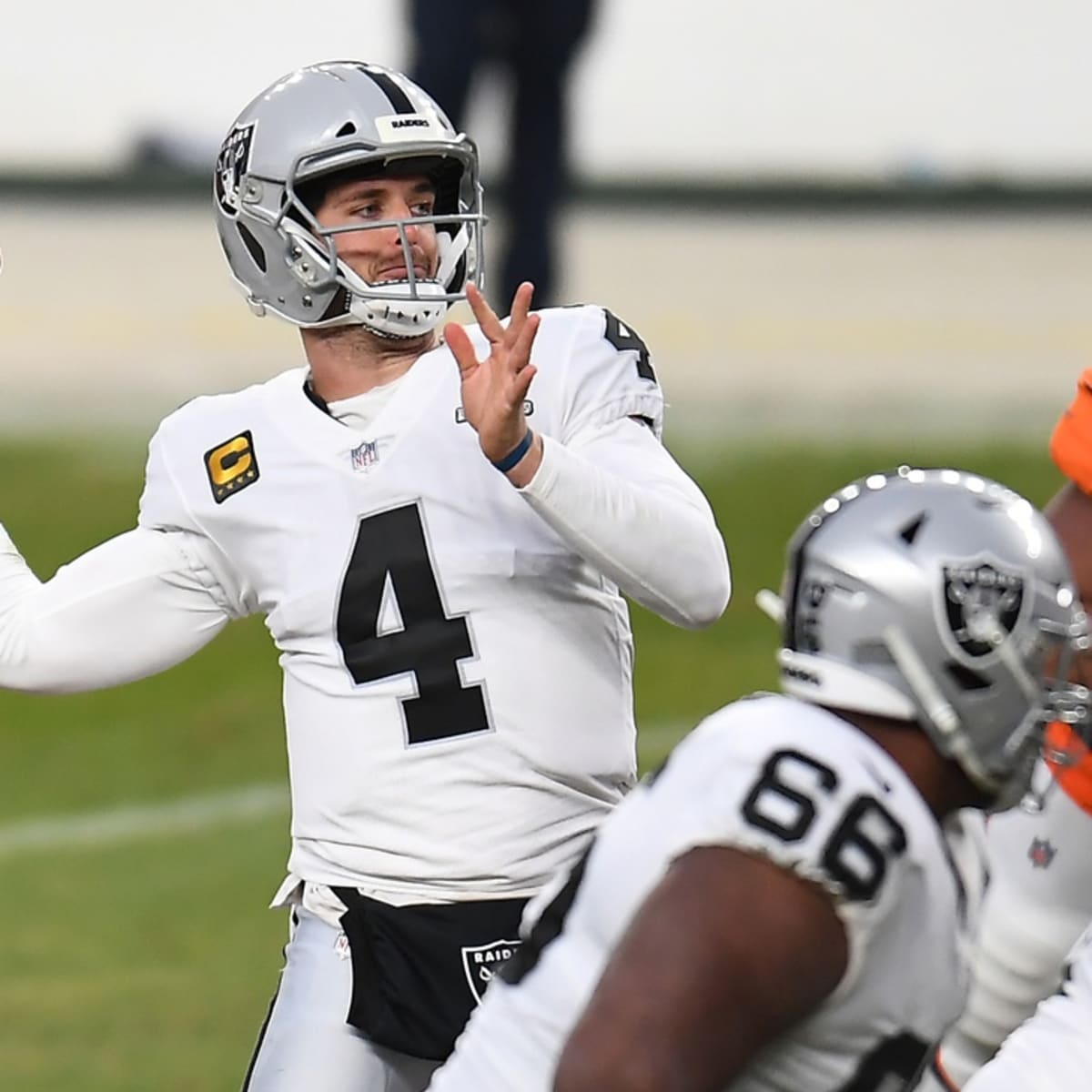 Derek Carr on the Leadership from Players of the Las Vegas Raiders