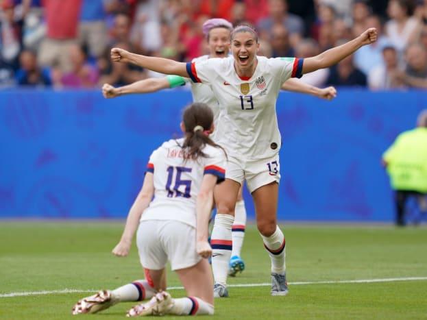 lavelle-morgan-rapinoe-goal-celebration.jpg