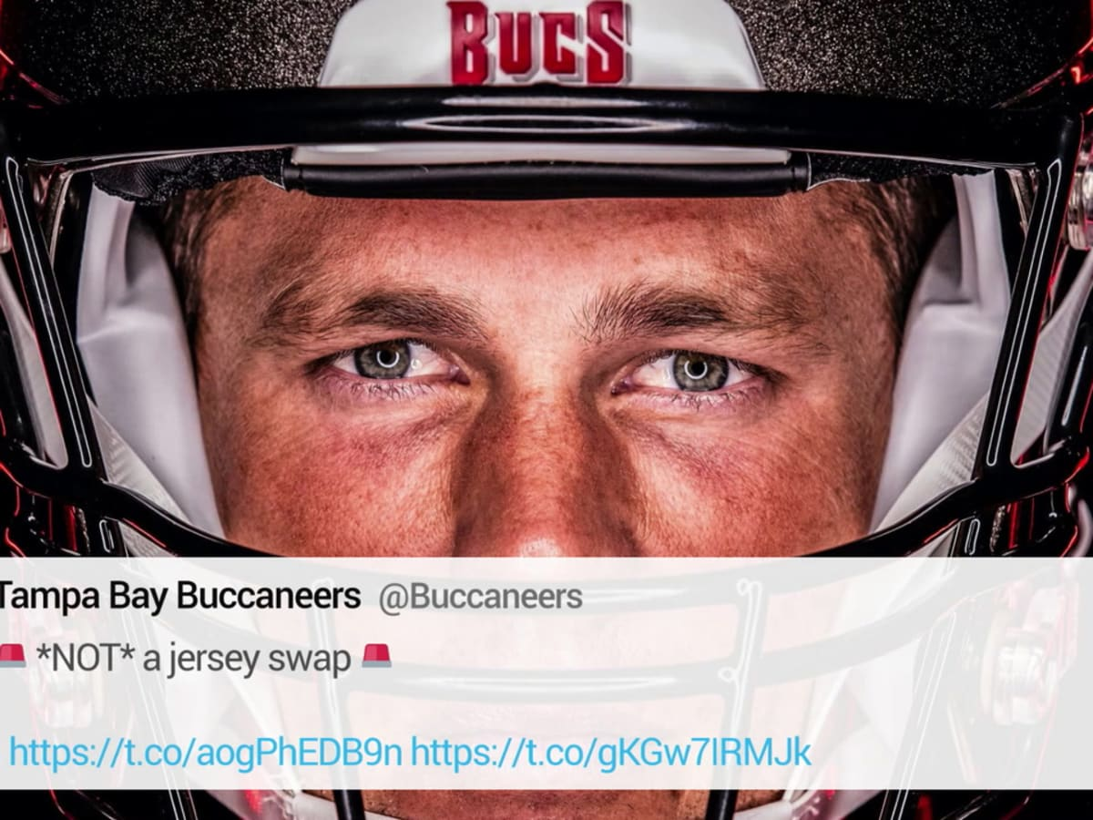 Look First Photos Of Rob Gronkowski In A Bucs Uniform Sports Illustrated Tampa Bay Buccaneers News Analysis And More