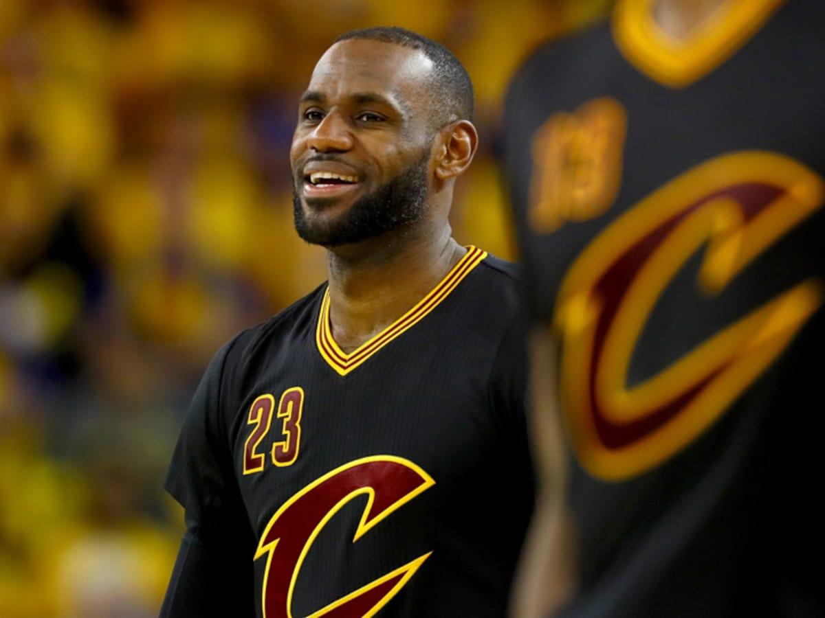 LeBron James chose sleeved jerseys for Cavs vs Warriors - Sports ...