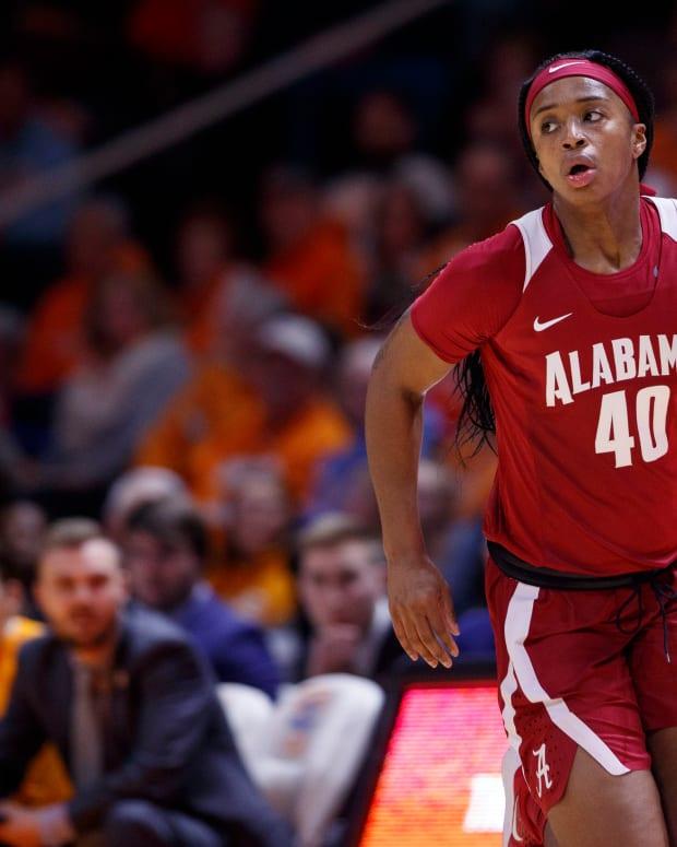Alabama basketball player Jasmine Walker