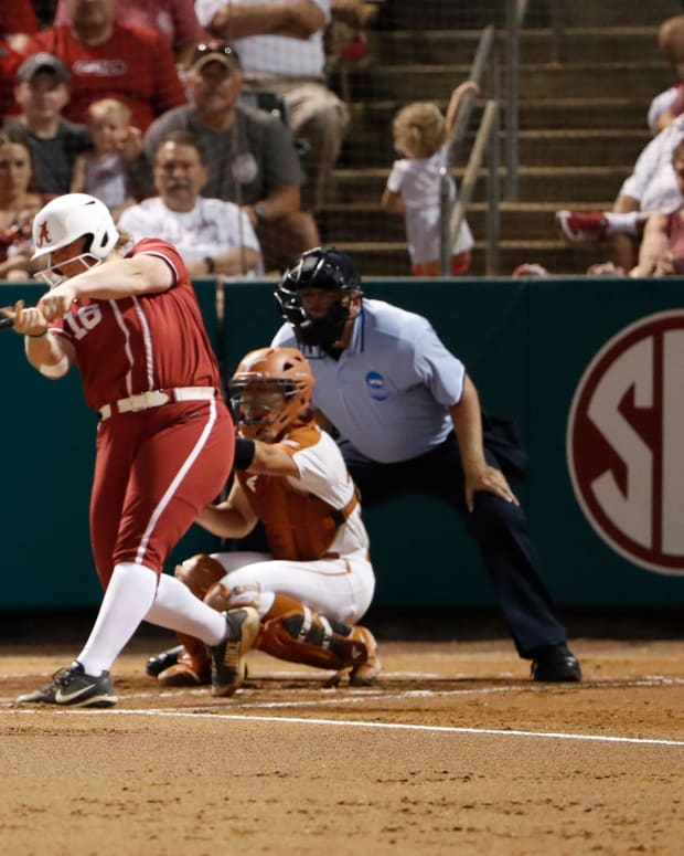 Alabama softball player Bailey Hemphill