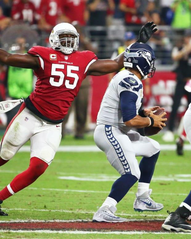 Arizona Cardinals linebacker Chandler Jones sacks Seattle Seahawks quarterback Russell Wilson at State Farm Stadium.