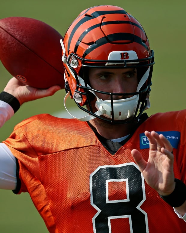 Cincinnati Bengals quarterback Brandon Allen (8) stays loose between drills during a training camp practice at the Paul Brown Stadium practice field in downtown Cincinnati on Monday, Aug. 24, 2020. Cincinnati Bengals Training Camp