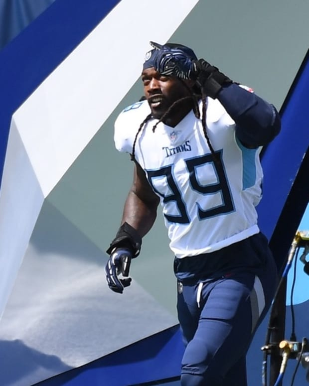 Tennessee Titans linebacker Jadeveon Clowney (99) takes the field during player introductions before the game against the Jacksonville Jaguars at Nissan Stadium.