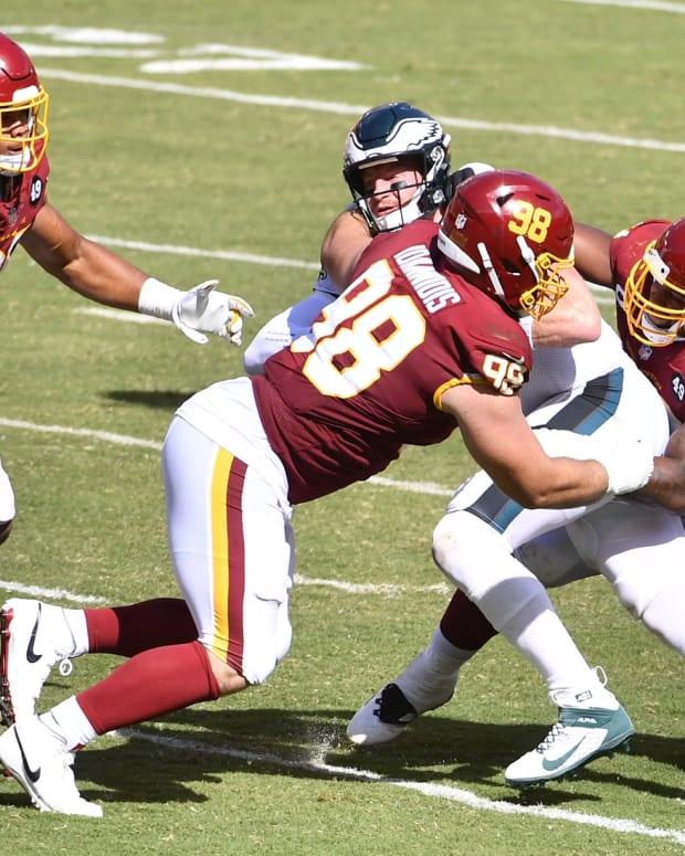 Matt Ioannidis Arm Stretch © Geoff Burke-USA TODAY Sports