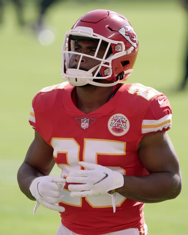 Oct 11, 2020; Kansas City, Missouri, USA; Kansas City Chiefs running back Clyde Edwards-Helaire (25) before the game against the Las Vegas Raiders at Arrowhead Stadium. Mandatory Credit: Kirby Lee-USA TODAY Sports
