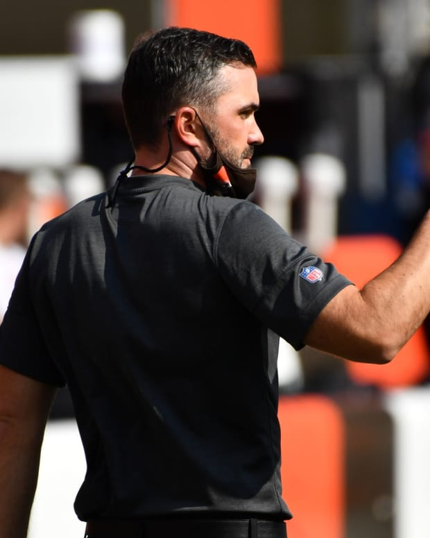Sep 27, 2020; Cleveland, Ohio, USA; Cleveland Browns head coach Kevin Stefanski points to a player during warm ups before the game between the Cleveland Browns and the Washington Football Team at FirstEnergy Stadium. Mandatory Credit: Ken Blaze-USA TODAY Sports