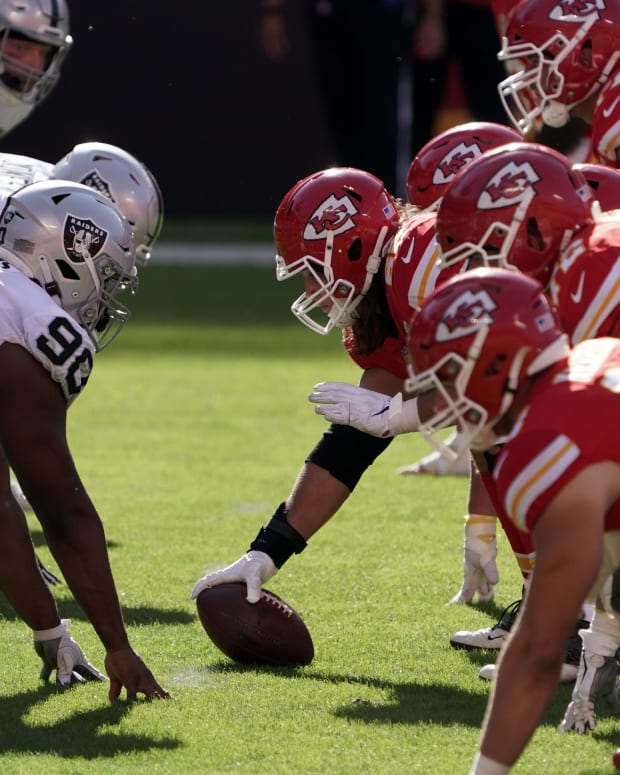 Oct 11, 2020; Kansas City, Missouri, USA; A general view of the line of scrimmage as Kansas City Chiefs center Austin Reiter (62) snaps the ball against the Las Vegas Raiders in the third quarter at Arrowhead Stadium. The Raiders defeated the Chiefs 40-32. Mandatory Credit: Kirby Lee-USA TODAY Sports