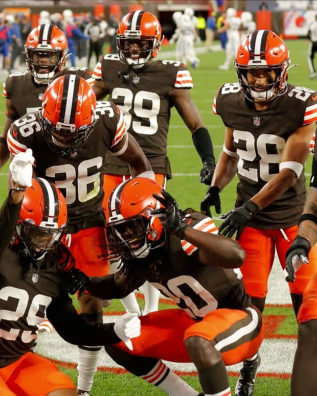 Cleveland Browns Trade Deadline Strategy