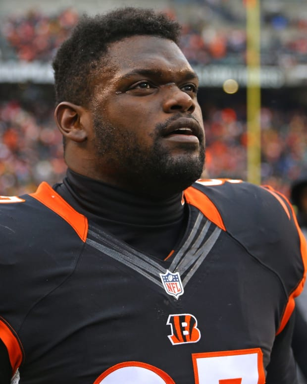 Dec 18, 2016; Cincinnati, OH, USA; Cincinnati Bengals defensive tackle Geno Atkins (97) against the Pittsburgh Steelers at Paul Brown Stadium. The Steelers won 24-20. Mandatory Credit: Aaron Doster-USA TODAY Sports